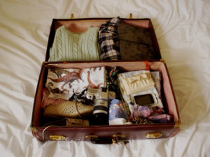 sognare valigia sul letto