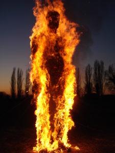 sognare fuoco addosso