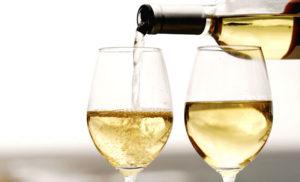 sognare vino bianco