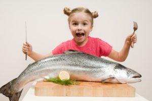 sognare mangiare pesce
