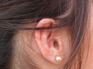 sognare orecchio