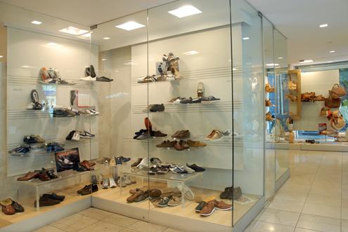 sognare vetrina scarpe